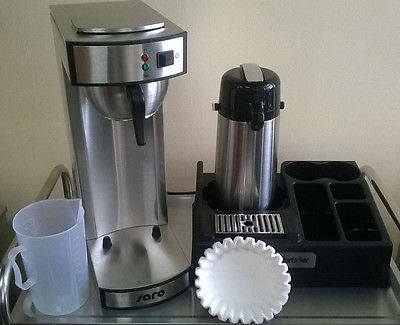 Gastro Kaffeemaschine inkl. Kaffeestation für 1 Kanne + 1000 Filter + Meßbecher
